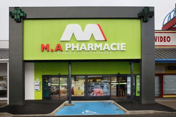 Biển quảng cáo ốp nhôm chữ nổi M A Pharmacie