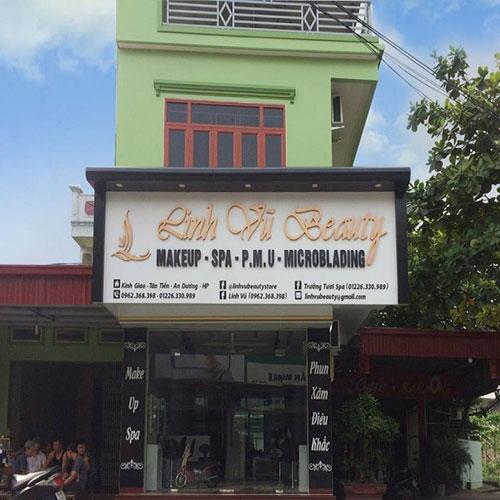 biển quảng cáo makeup store